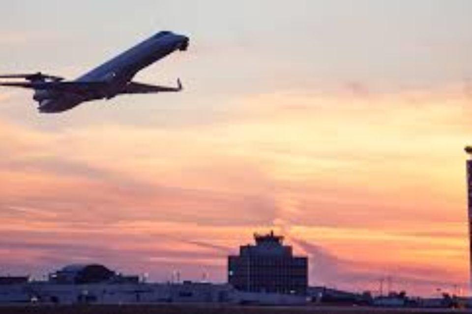 Подновяват процедурата за концесията на софийското летище през септември