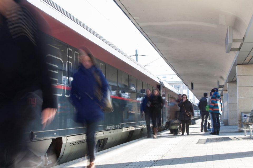 ÖBB и Siemens Mobility подписаха рамково споразумение за доставка на пътнически влакове за Австрия